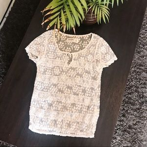 ABERCROMBIE & FITCH | Kids White Lace Tee Shirt L